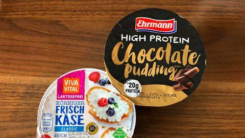 Körniger Frischkäse und ein Schokoladen-Pudding mit besonderem Protein-Gehalt