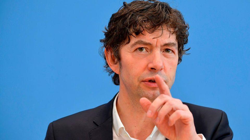 Coronavrius erklärt: Prof. Dr. Christian Drosten bei der Bundespressekonferenz in Berlin