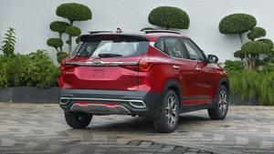 Das Design unterscheidet sich wohltuend von der barocken Anmutung vieler anderer Autos, die in Indien unterwegs sind