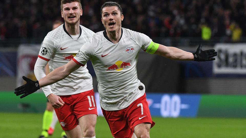 Marcel Sabitzer jubelt nach seinem Treffer zum 1:0 gegen Tottenham Hotspur, dahinter freut sich Timo Werner