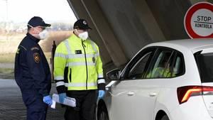 """Tschechien schließt wegen der Coronavirus-Krise ihre Grenzen für Reisende aus 15 """"Risiko""""-Ländern, darunter auch Deutschland"""
