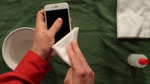 Coronavrius: Das Smartphone richtig desinfizieren