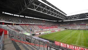 Die Merkur Spiel-Arena von Fortuna Düsseldorf wird in den nächsten Wochen leer bleiben - so wie alle Bundesliga-Stadien