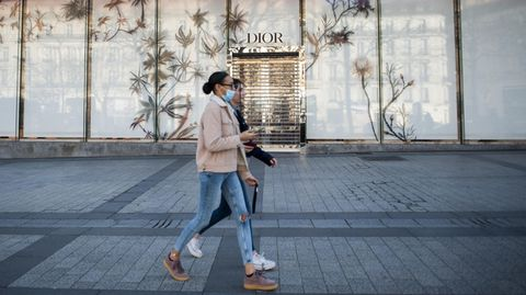 Ein geschlossenes Dior-Geschäft in Paris: Mutterkonzern LVMHkündigte an,Desinfektionsmittel statt Parfüm zu produzieren
