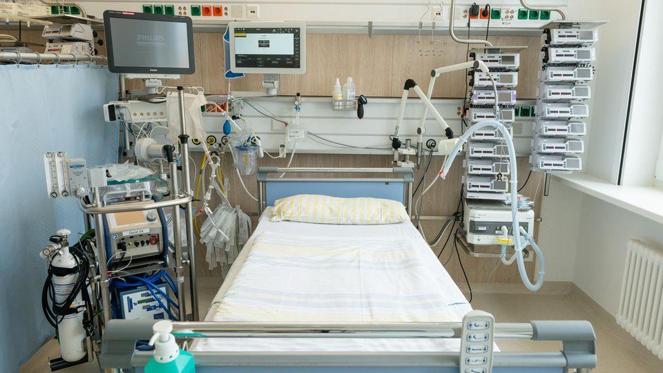 Intensivbett auf Intensivstation