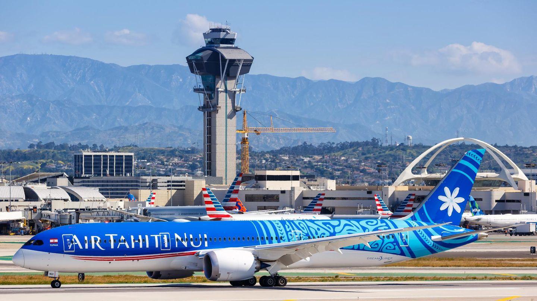 15.713 Kilometer nonstop: Eine Boeing 787-9 von Air Tahiti Nui legte die Strecke zwischen Papeete und Paris in 16 Stunden und 14 Minuten zurück. Hier ein Fotos des Jets auf dem Flughafen von Los Angeles.