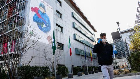 Gemäldedes KünstlersFranco Rivolli an einer Außenmauer des Giovanni XXIII-Krankenhauses