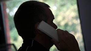 Ein Mitarbeiter eine Telefonseelsorge