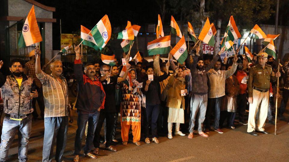 Indien Hinrichtung Menschengruppe