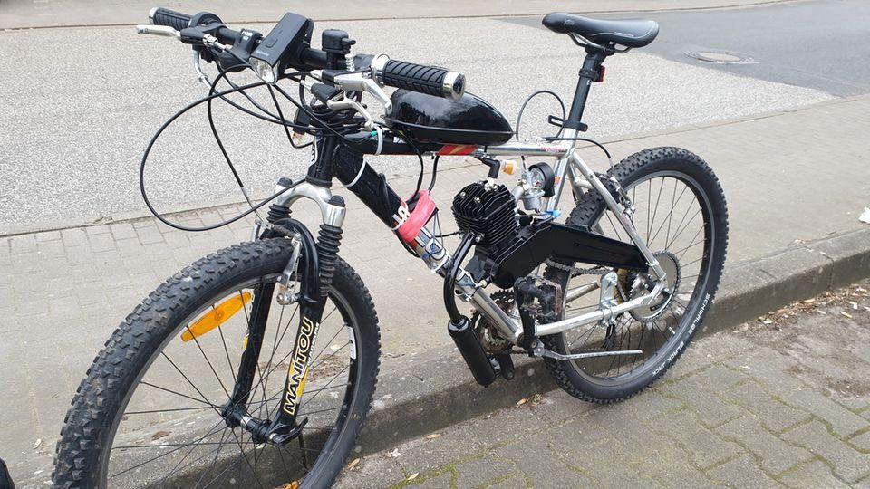 Nachrichten aus Deutschland: Das Mountainbike mit dem angebauten Verbrennungsmotor