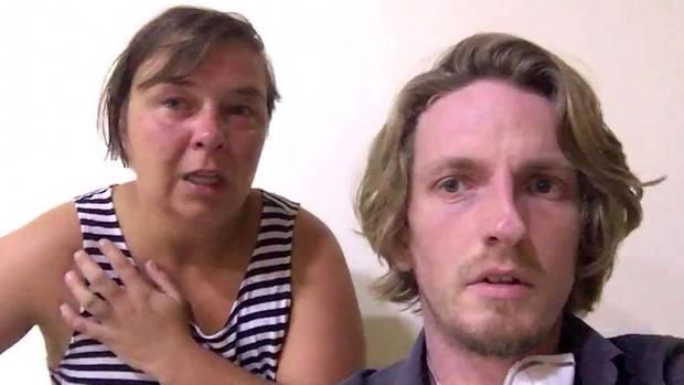 Unter Tränen: In Indien gestrandetes Paar bittet um Hilfe