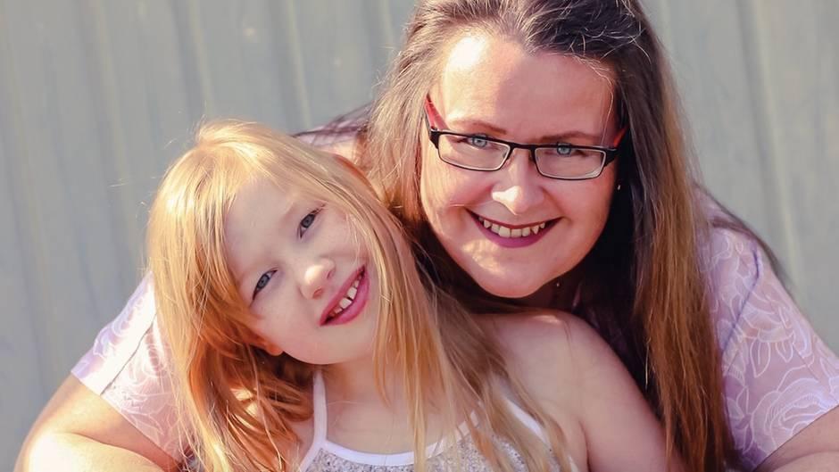 Mandy Geierhos, 45, IT-Consultant, und Isabelle, 9, Schülerin, aus Friedberg in Bayern