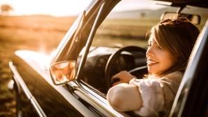 Autos mit Chromund Charme werden echte Oldtimer, die nachrückenden Jahrgänge sind nur noch alt, aber nicht mehr besonders.