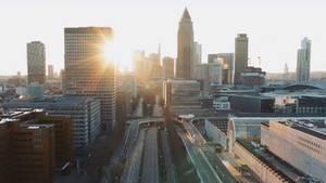 Coronavirus: Drohnenaufnahmen zeigen Frankfurt als Geisterstadt