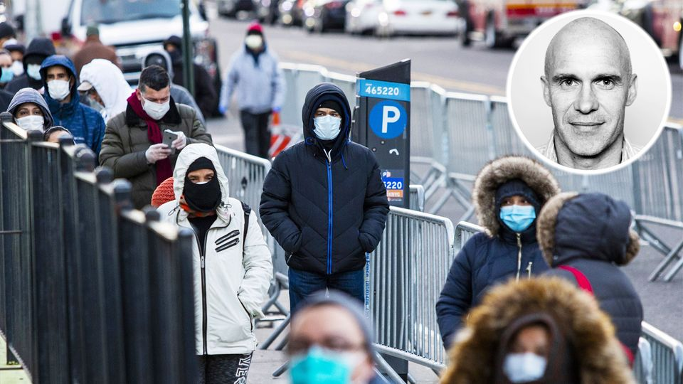 Coronavirus New York: Menschen stehen Schlange und warten darauf, auf Covid-19 getestet zu werden.