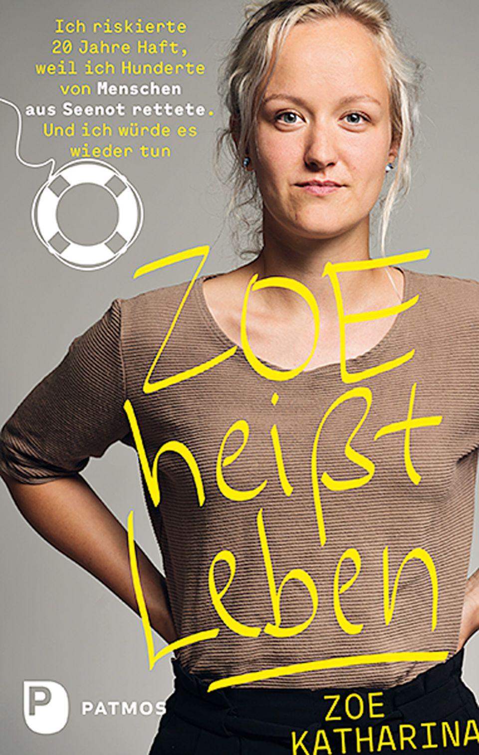 Das Buchcover: Der Titel in gelber Schrift, dahinter Zoe Katharina mit blonden Haaren und braunem T-Shirt