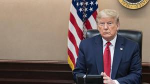 US-Präsident Donald Trump nahm das Coronavirus anfangs nicht ernst, nun rüstet er die USA im Kampf gegen die Folgen der Pandemie.