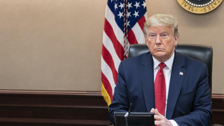 """US-Präsident Donald Trump nahm das Coronavirus anfangs nicht ernst, mittlerweile hat er dem Virus den """"Krieg"""" erklärt."""