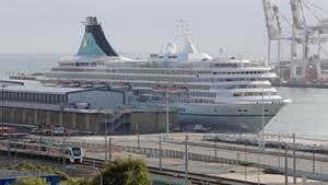 Das deutsche Kreuzfahrtschiff «MS Artania» liegt im Hafen von Fremantle
