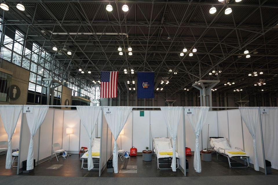 1000 Betten haben National Guard, das US Army Corps of Engineers und die Angestellten des Javits Centers in wenigen Tagen aufgestellt.