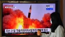 Südkoreanische Fernsehsender berichten über die Raketentests