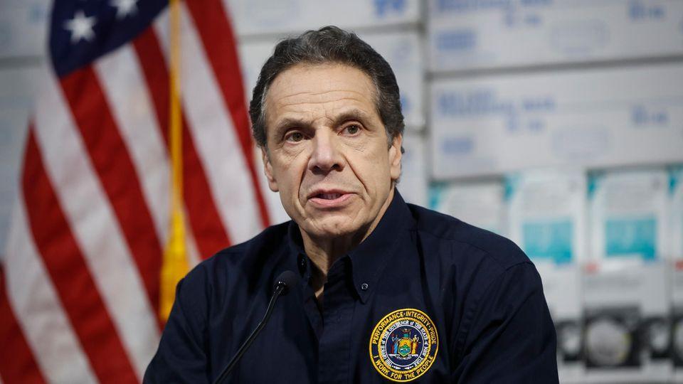 New Yorks Gouverneur Andrew Cuomo rechnet mit tausenden Coronavirus-Opfern in seinem Bundesstaat