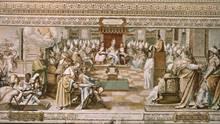 Das erste Konzil von Nicäa: 325 nach treffen sich Bischöfe und der Papst, um über die Trinität und das Wesen Jesuszu diskutieren. Hier das Wandbild aus der Bibliothek des Vatikans, welches im 16. Jahrhundert entstand