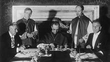 Papst Pius XII. unterzeichnet das Reichskonkordat