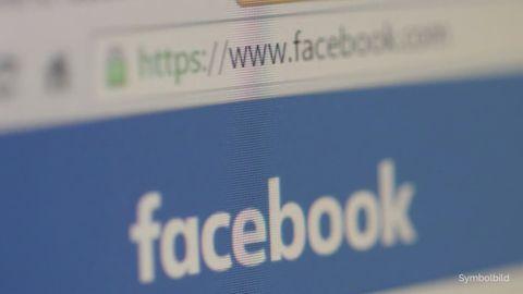 """Auf einem Monitor ist der """"Facebook""""-Schriftzug zu sehen. Allerdings sind nur die Buchstaben c und e richtig scharf"""
