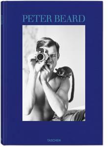 Cover mit dem fotografierenden Fotografen Peter Beard