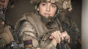 Our Girl zeigt das Leben einer jungen Frau in den heutigen Kriegen.