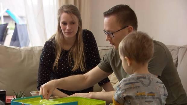 In Corona-Zeiten: Die Familie Meyer macht sich Sorgen um die Geburt des zweiten Kindes.