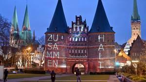 Lübeck: Die Bewohner werden zur Einhaltung der Kontaktbeschränkungen aufgerufen.
