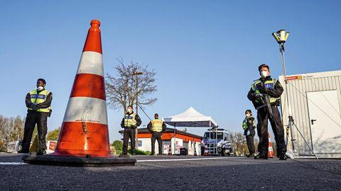 Polizeikontrolle an der Grenze zu Frankreich