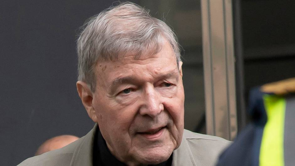 Australien, Melbourne: Kardinal George Pell kommt am County Court an