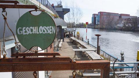 Die Gastronomie leidet besonders: Auch dieses Lokal auf dem Gelände des Holzmarktes in Berlin ist geschlossen