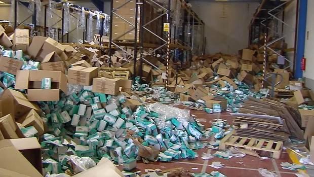 Aus einer Lagerhalle wurden Masken und Schutzmaterial im Wert von 5 Millionen Euro entwendet
