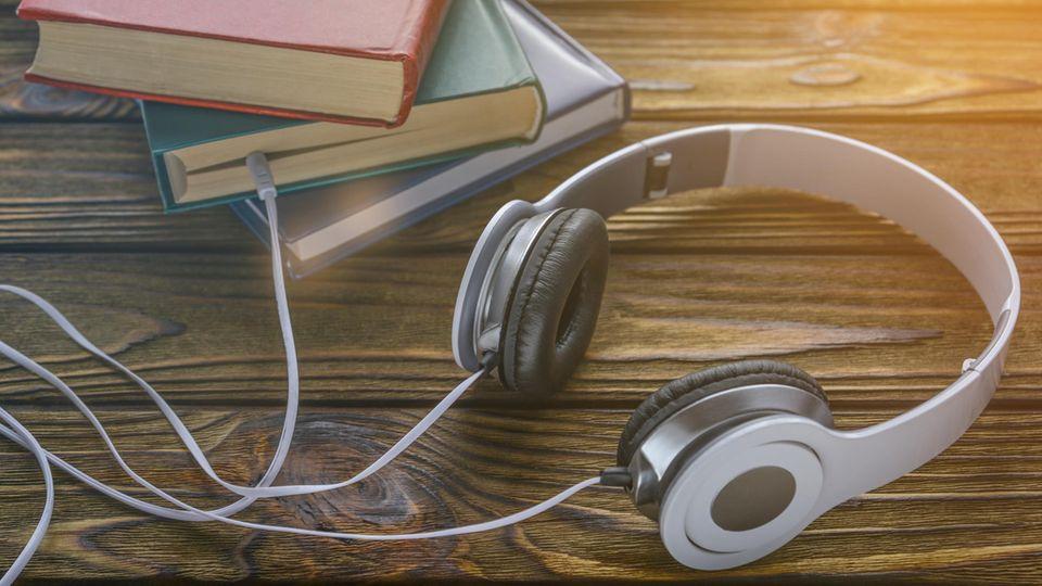 Das Konzept ist, Hörbücher zu hören.