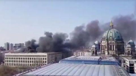 Feuer am Berliner Stadtschloss