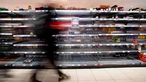 Die große Zeit der Hamsterkäufe ist in Deutschland nach Einschätzung von Marktforschern erst einmal vorbei.