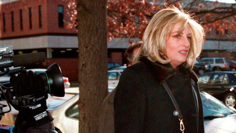 14.12.1998,Washington (USA): Linda Tripp kommt in das Büro der Anwaltskanzler von Judicial Watch.