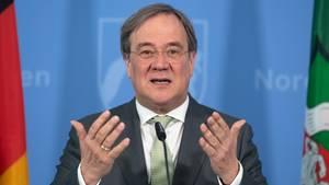 Armin Laschet, Ministerpräsident von Nordrhein-Westfalen, spricht während einer Pressekonferenz