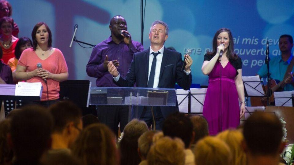 """""""Superspreader"""" im Elsass: Auf einem Kirchenfest steckten sich mehr als 2000 Menschen an - wie konnte es dazu kommen?"""