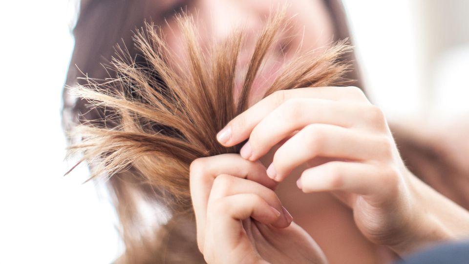 Sich selbst die Haare zu schneiden wird in der Coronakrise zum Trend