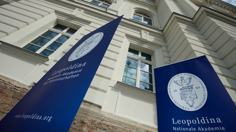 Die 1652 gegründete Deutsche Akademie der Naturforscher Leopoldina ist mit ihren rund 1600 Mitgliedern aus nahezu allen Wissenschaftsbereichen eine klassische Gelehrtengesellschaft