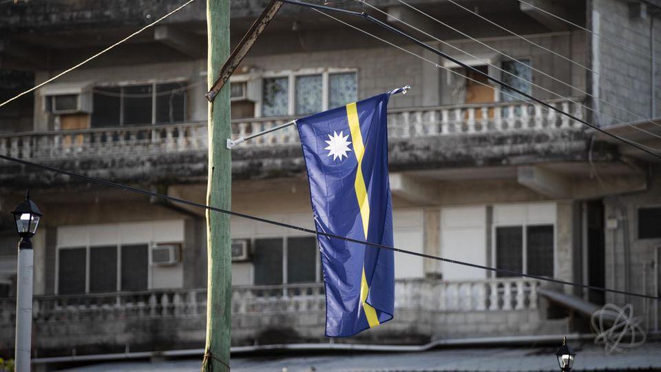 Die Flagge des Inselstaats Nauru
