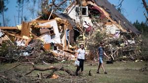 Zerstörung und Tote: 60 Tornados verwüsten den Süden der USA