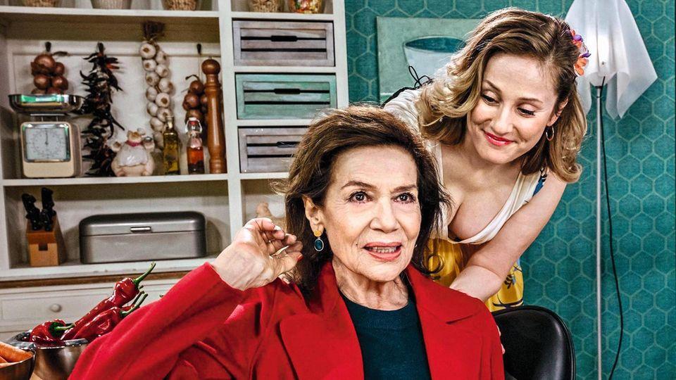 Hannelore Elsner (l.) und ihre Kollegin Marlene Morreis