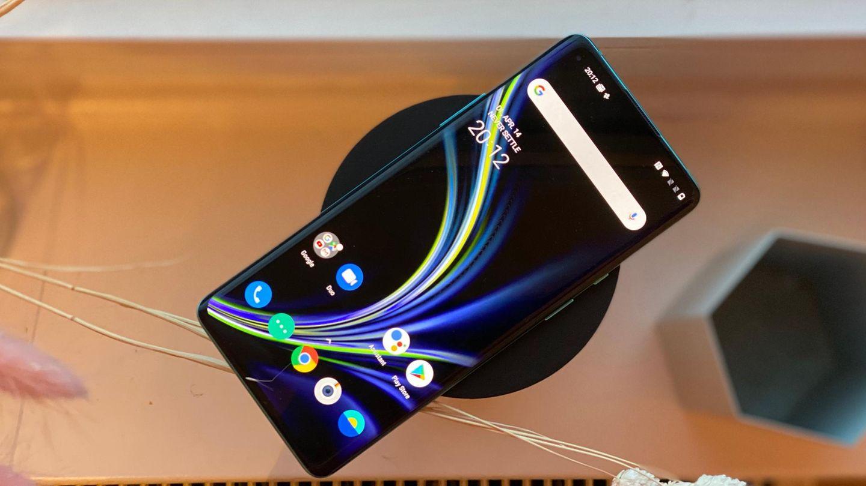 Das große Display ist der Star des Oneplus 8 Pro