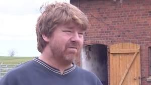 Ein Landwirt aus Schleswig-Holstein berichtet über seine Covid-19-Erkrankung.